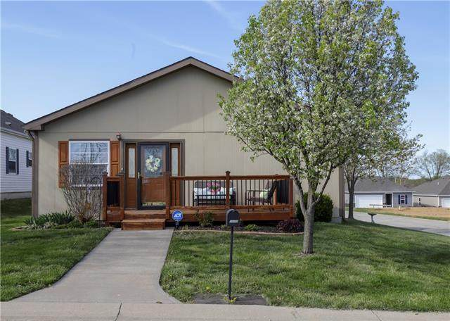7800 NW 123rd Terrace, Kansas City, MO 64163 (#2315971) :: Ron Henderson & Associates