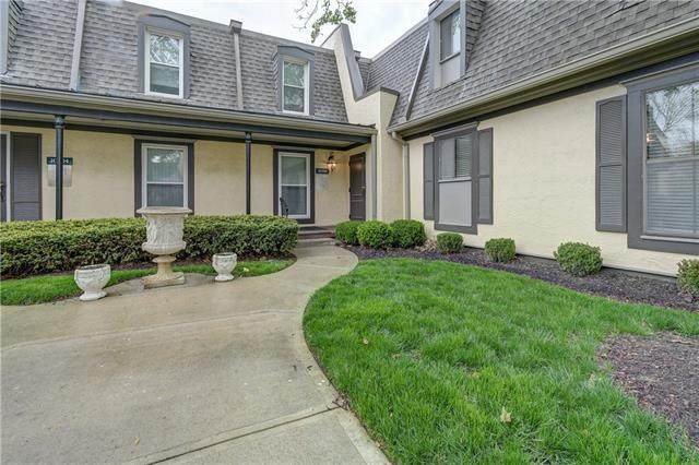 10700 Glenwood Street E, Overland Park, KS 66211 (#2316002) :: The Kedish Group at Keller Williams Realty