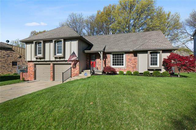 10542 Flint Street, Overland Park, KS 66214 (#2316014) :: The Rucker Group