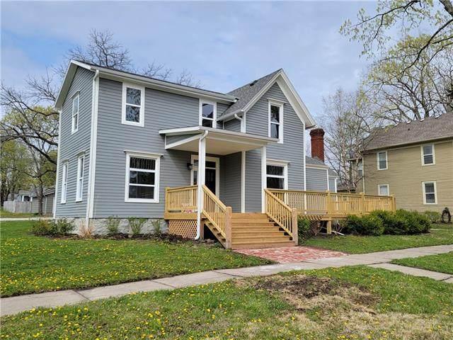 702 E Peoria Street, Paola, KS 66071 (#2316023) :: Ron Henderson & Associates