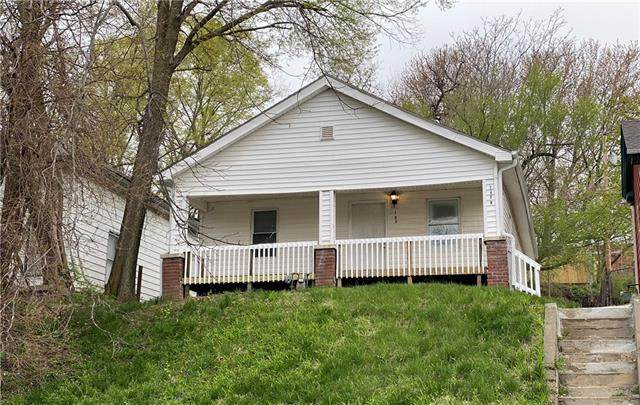 1426 N 3rd Street, St Joseph, MO 64505 (#2316028) :: Ask Cathy Marketing Group, LLC