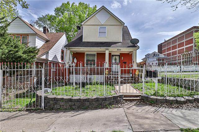 3231 Roberts Street, Kansas City, MO 64124 (#2316132) :: Ron Henderson & Associates