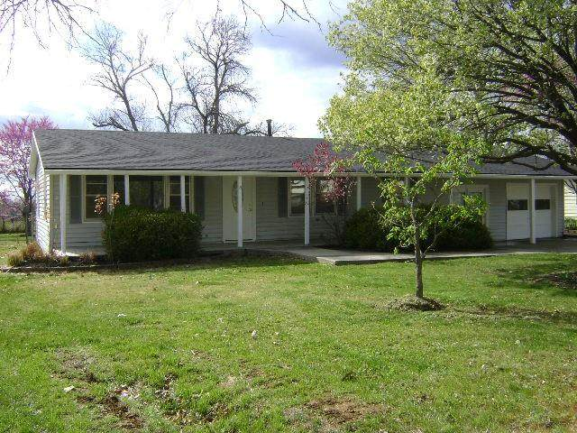209 Westview Street, Mclouth, KS 66054 (#2316146) :: The Kedish Group at Keller Williams Realty