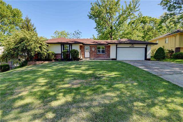 14506 E 40th Terrace, Independence, MO 64055 (#2316226) :: Austin Home Team