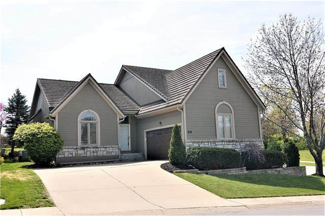 601 NE Saint Andrews Circle, Lee's Summit, MO 64064 (#2316260) :: Team Real Estate