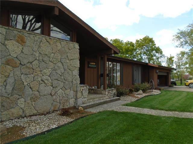 1002 S Burke Street, Fort Scott, KS 66701 (#2316651) :: Eric Craig Real Estate Team