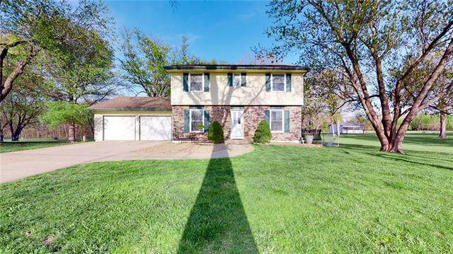 19927 Nall Avenue, Stilwell, KS 66085 (#2316710) :: The Shannon Lyon Group - ReeceNichols