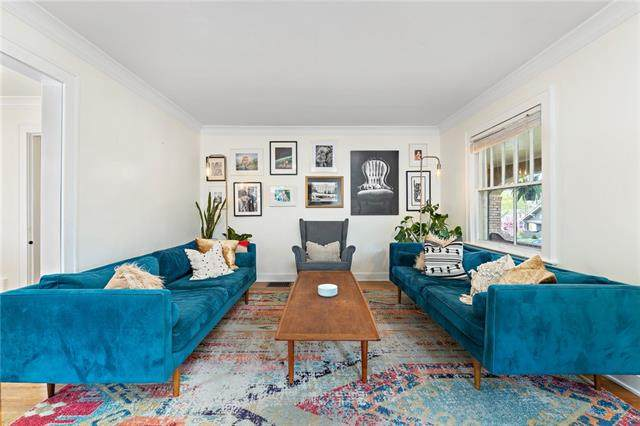 1120 W 75TH Terrace, Kansas City, MO 64114 (#2316744) :: Team Real Estate