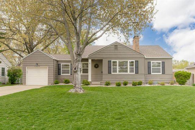 4412 W 54th Terrace, Roeland Park, KS 66205 (#2316749) :: Team Real Estate
