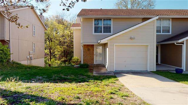 6815 N Mokane Avenue, Kansas City, MO 64151 (#2316785) :: Team Real Estate