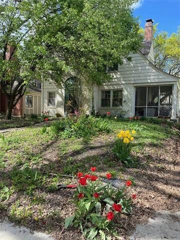 1004 W Gregory Boulevard, Kansas City, MO 64114 (#2316790) :: Ron Henderson & Associates