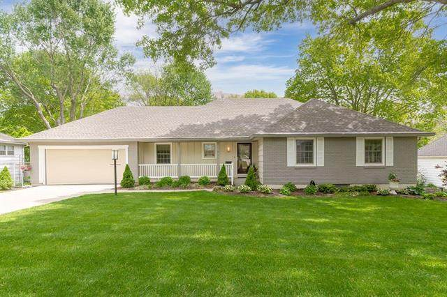 7929 Roe Avenue, Prairie Village, KS 66208 (#2316856) :: Team Real Estate