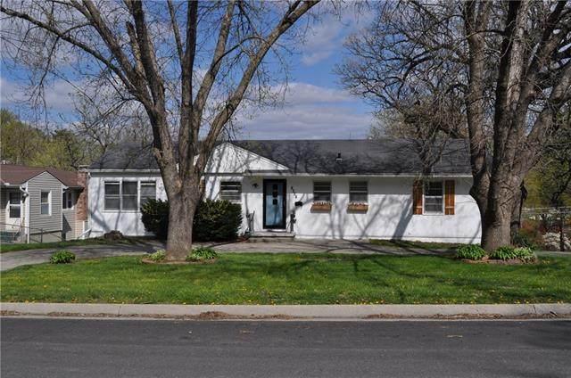 1801 N 31st Street, St Joseph, MO 64506 (MLS #2316900) :: Stone & Story Real Estate Group