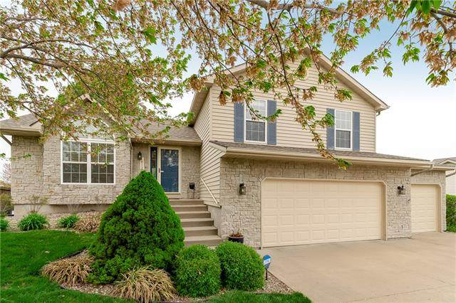 1612 Chowning Drive, Kansas City, MO 64155 (#2316975) :: Ron Henderson & Associates