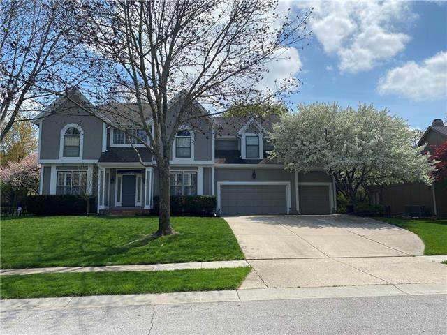4145 W 131st Terrace, Leawood, KS 66209 (#2316984) :: Team Real Estate