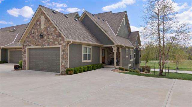 14839 Meadow Lane, Leawood, KS 66224 (#2317012) :: The Shannon Lyon Group - ReeceNichols