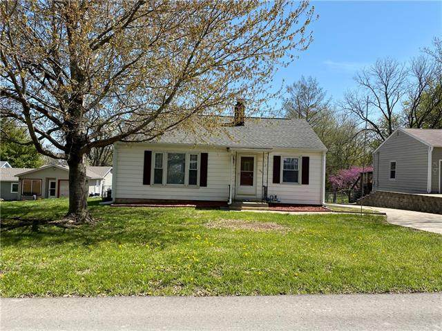 921 S 38th Street, St Joseph, MO 64507 (#2317062) :: The Shannon Lyon Group - ReeceNichols