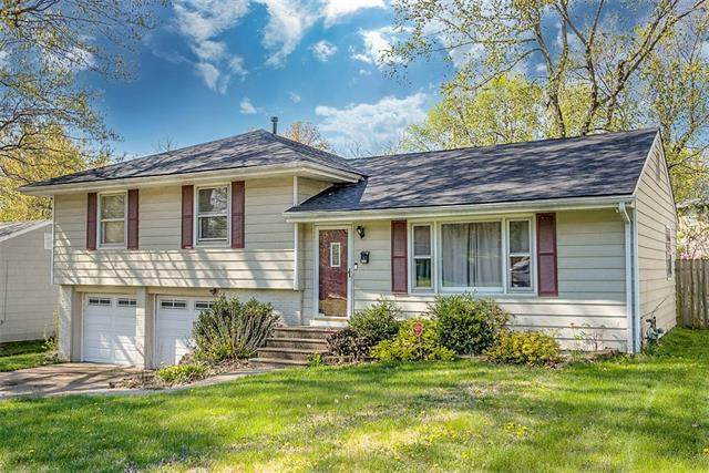 4504 S Willis Avenue, Independence, MO 64055 (#2317071) :: The Kedish Group at Keller Williams Realty