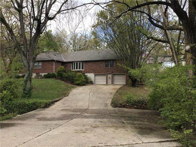 3716 S Woodland Avenue, Independence, MO 64052 (#2317077) :: Beginnings KC Team