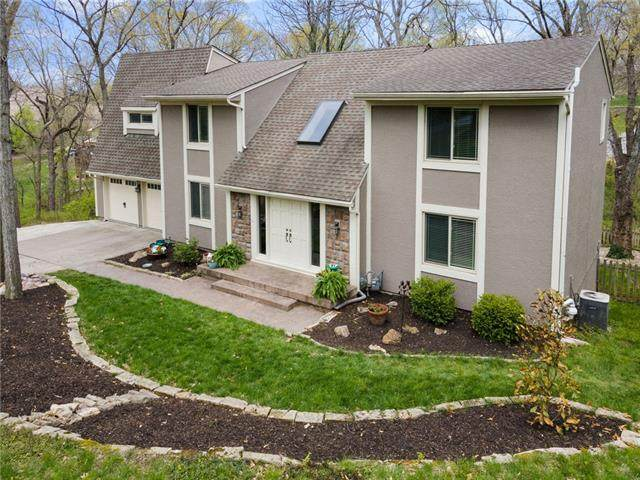 9704 NW 75TH Terrace, Weatherby Lake, MO 64152 (#2317107) :: Audra Heller and Associates