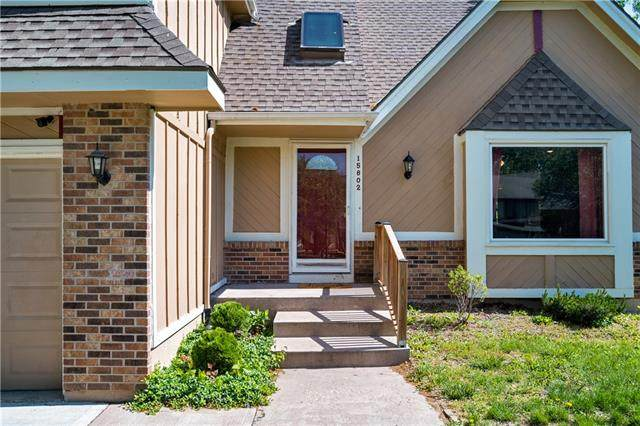 15802 W 147th Terrace, Olathe, KS 66062 (#2317145) :: Team Real Estate