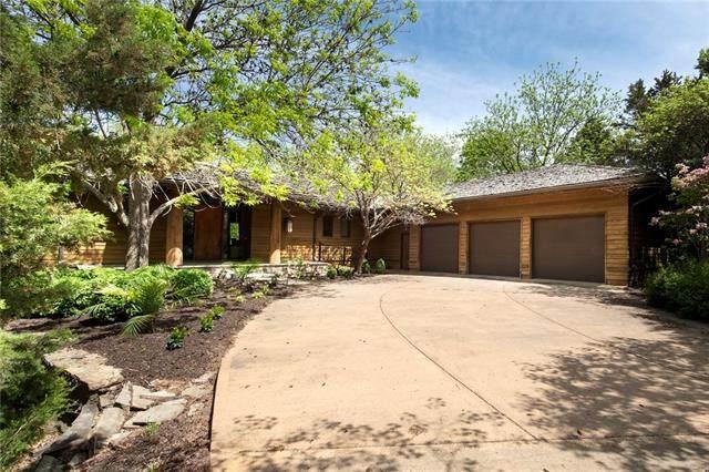 11709 Mohawk Lane, Leawood, KS 66211 (#2317157) :: Tradition Home Group | Better Homes and Gardens Kansas City