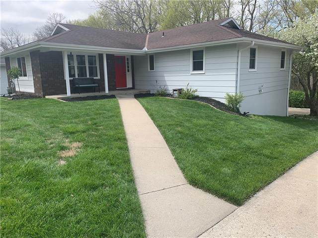 3206 N 36th Terrace, St Joseph, MO 64506 (#2317276) :: The Kedish Group at Keller Williams Realty