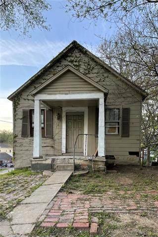 828 Lyons Street, Kansas City, KS 66101 (MLS #2317392) :: Stone & Story Real Estate Group