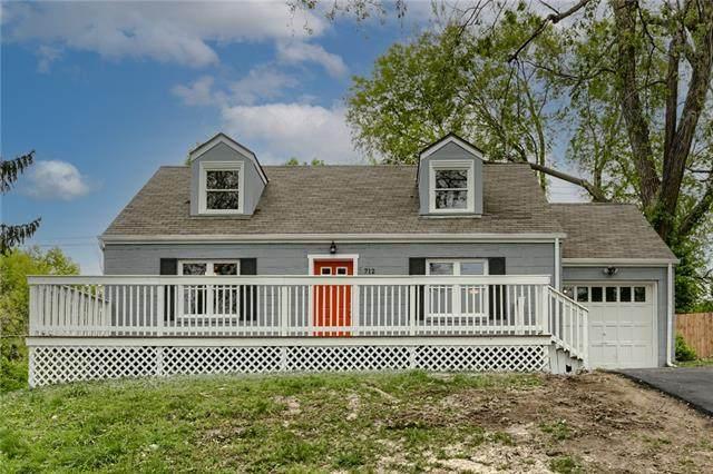 712 NE 42nd Terrace, Kansas City, MO 64116 (#2317446) :: The Kedish Group at Keller Williams Realty