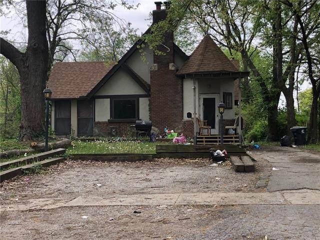 1845 E 76th Street, Kansas City, MO 64132 (#2317602) :: Audra Heller and Associates