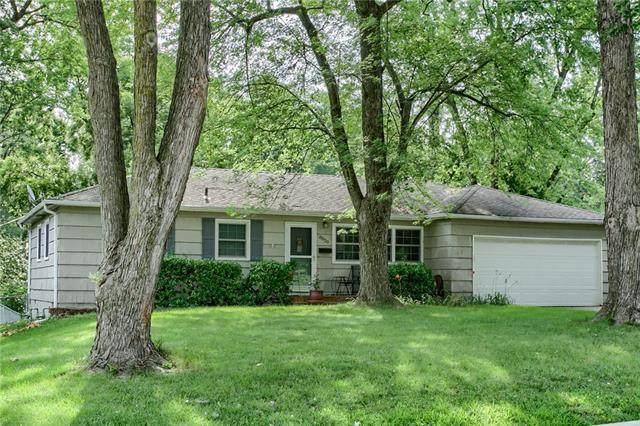 8029 Outlook Street, Prairie Village, KS 66208 (#2317608) :: The Kedish Group at Keller Williams Realty