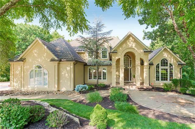 8007 Timbercrest Way, Parkville, MO 64152 (#2317609) :: Austin Home Team