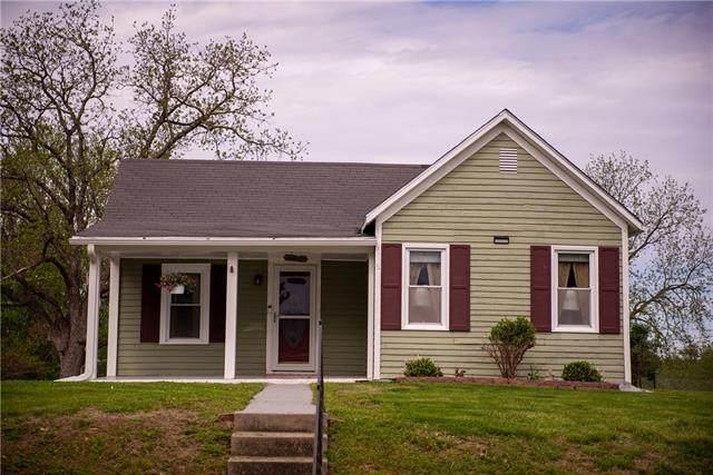 905 Henry Street, Atchison, KS 66002 (#2317626) :: Edie Waters Network