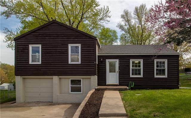 1519 NE Englewood Road, Kansas City, MO 64118 (#2317642) :: Ron Henderson & Associates