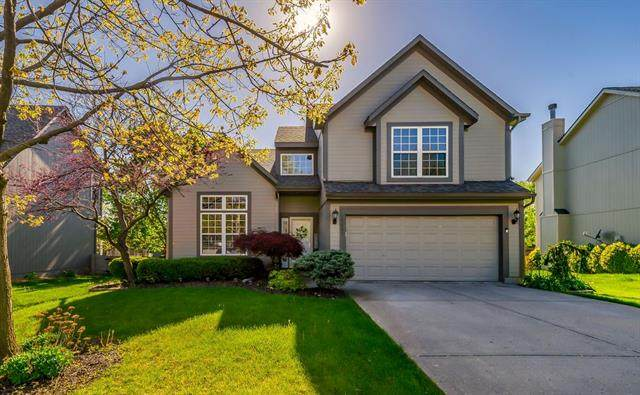15862 S Locust Street, Olathe, KS 66062 (MLS #2317762) :: Stone & Story Real Estate Group