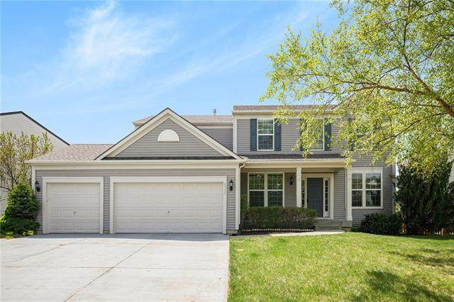 8732 Dunraven Street, Lenexa, KS 66227 (#2317812) :: The Rucker Group