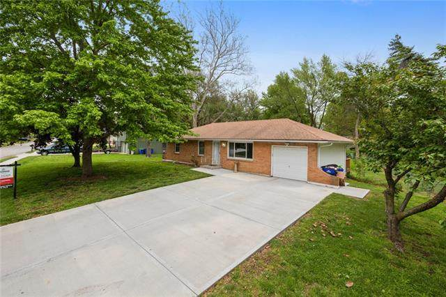 8907 W 47th Terrace, Merriam, KS 66203 (#2317879) :: Team Real Estate