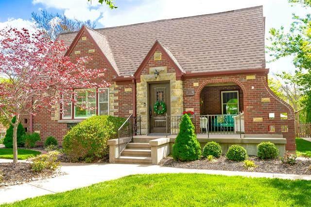 2201 Spring Garden Street, Leavenworth, KS 66048 (#2317939) :: Austin Home Team