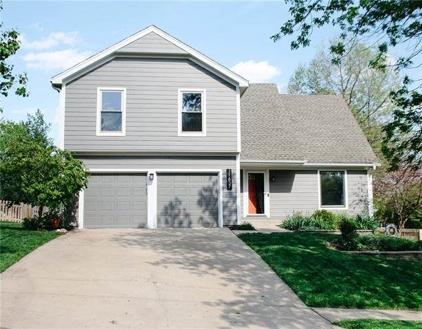 11637 Cody Street, Overland Park, KS 66210 (#2318009) :: The Kedish Group at Keller Williams Realty