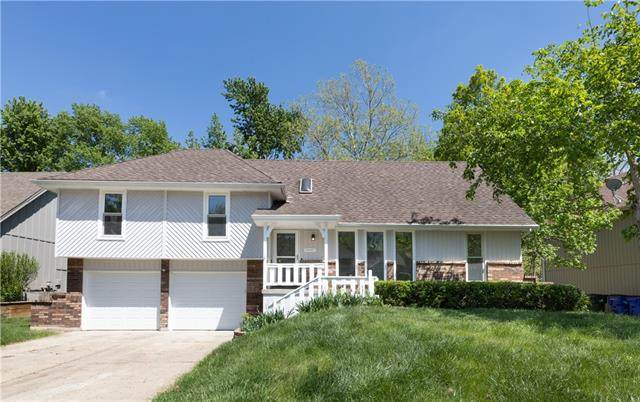 15017 S Locust Street, Olathe, KS 66062 (MLS #2318160) :: Stone & Story Real Estate Group