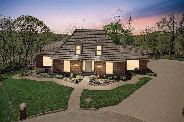 12 Wycklow Street, Overland Park, KS 66207 (MLS #2318229) :: Stone & Story Real Estate Group