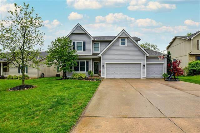 18412 Oak Street, Gardner, KS 66030 (#2318311) :: Team Real Estate