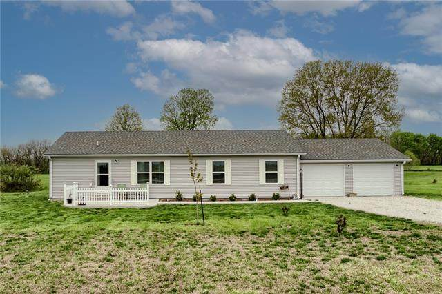 520 NW 1421st Road, Holden, MO 64040 (#2318332) :: Ron Henderson & Associates