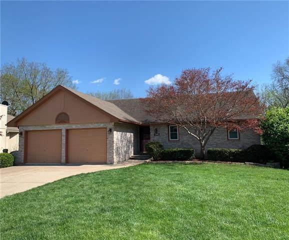 1505 NE Tawny Drive, Lee's Summit, MO 64086 (#2318386) :: Team Real Estate