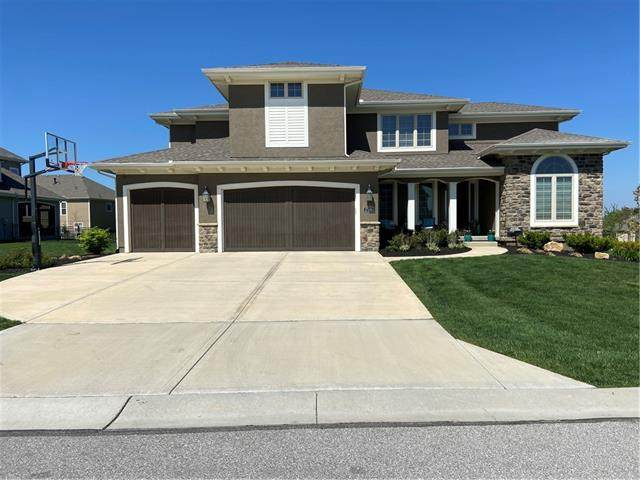 17100 Stearns Street, Overland Park, KS 66221 (#2318558) :: The Shannon Lyon Group - ReeceNichols