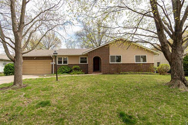 1645 S Willow Street, Ottawa, KS 66067 (#2318576) :: The Kedish Group at Keller Williams Realty