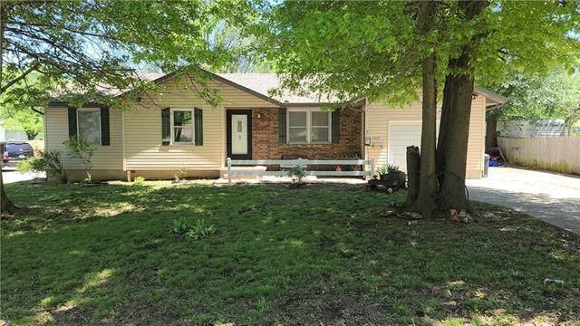 1313 S Barbee Street, Fort Scott, KS 66701 (#2318620) :: Eric Craig Real Estate Team