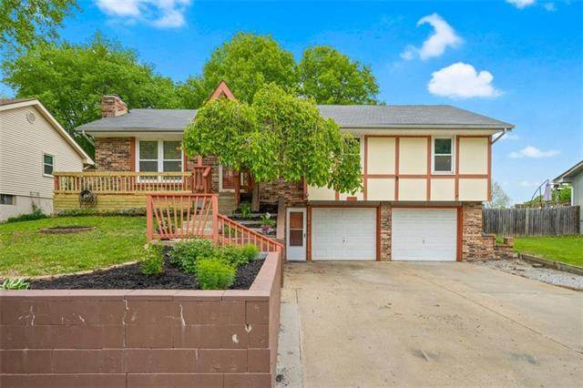 7426 NW 80th Terrace, Kansas City, MO 64152 (#2318648) :: Tradition Home Group | Better Homes and Gardens Kansas City