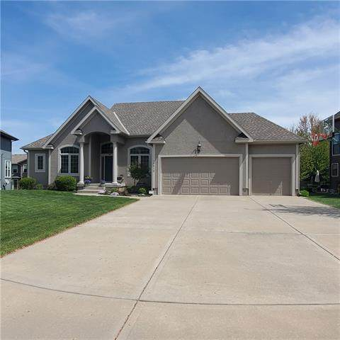 13412 W 140th Street, Overland Park, KS 66221 (#2318678) :: Ron Henderson & Associates