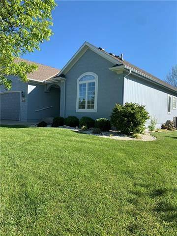 2200 NE Colonnade Avenue, Blue Springs, MO 64014 (#2318713) :: Team Real Estate